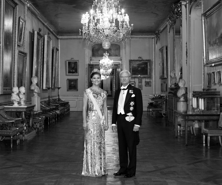 Ruotsin kruununprinsessa Victoria ja kuningas Kaarle Kustaa, virallinen muotokuva
