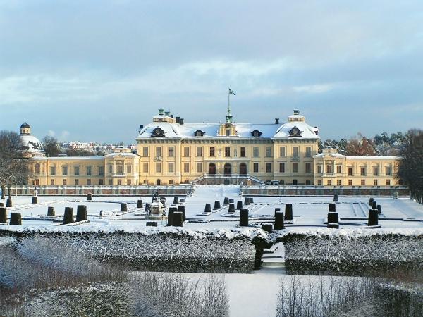 Ruotsin kuninkaallisten joulu - kuningasperhe jouluna Drottningholmin linnassa