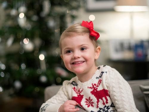 Prinsessa Estelle joulukuvissa - Ruotsin kuningasperheen joulu, kuninkaalliset