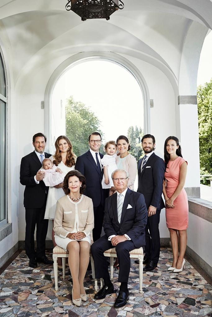 Kuninkaalliset - Ruotsin kuningasperhe, kuningas Kaarle Kustaa, kuningatar Silvia, kruununprinsessa Victoria, prinssi Daniel, prinsessa Estelle, prinssi Carl Philip, Sofia Hellqvist, prinsessa Madeleine, Chris O'Neill, prinsessa Leonore, kesäpaikka Solliden, Öölanti