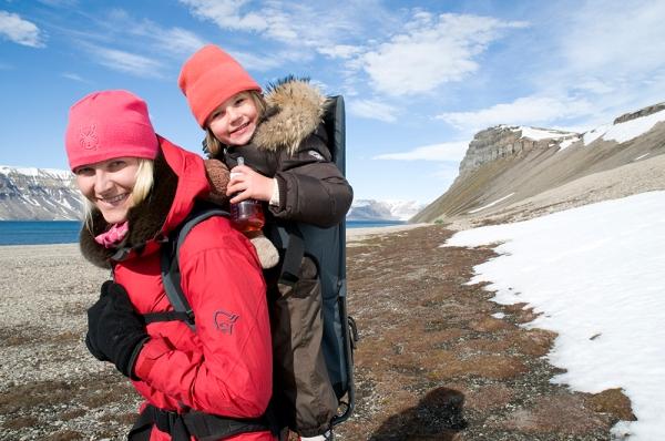 Kuninkaalliset: Norjan kruununprinsessa Mette-Marit ja prinsessa Ingrid Alexandra