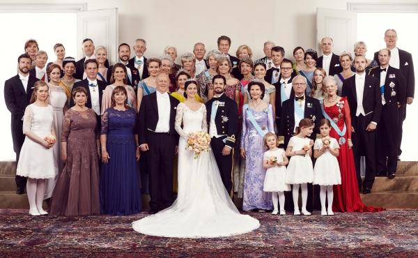 Ruotsin prinssi Carl Philipin ja prinsessa Sofian viralliset hääkuvat, vieraiden asut ja tiarat