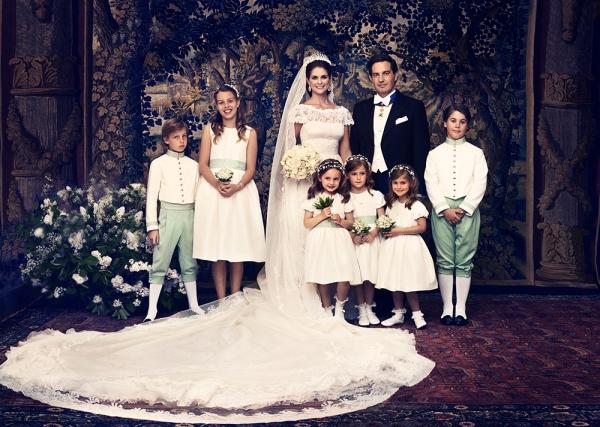 Prinsessa Madeleine ja Chris O'Neill virallinen hääkuva, prinssi Carl Philipin häät, morsiuslapset, kuninkaalliset, Hovikirjeenvaihtaja