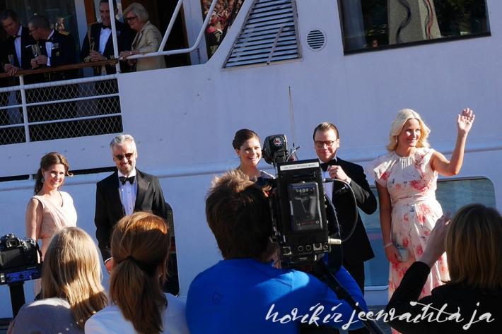 Prinssi Carl Philipin ja Sofia Hellqvistin häät, paikalla Tukholmassa, Kuninkaalliset, Hovikirjeenvaihtaja, perjantaina risteily ja illallinen, kruununprinsessa Victoria