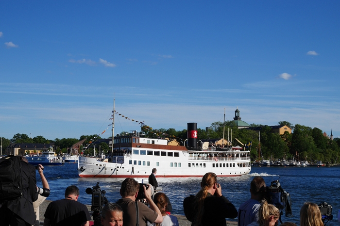 Prinssi Carl Philipin ja Sofia Hellqvistin häät, paikalla Tukholmassa, Hovikirjeenvaihtaja, kuninkaalliset