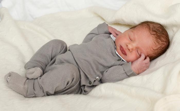 Prinsessa Madeleinen ja Chris O'Neillin poikavauva, prinssi, kuninkaalliset, Hovikirjeenvaihtaja, ristiäiset, kaste