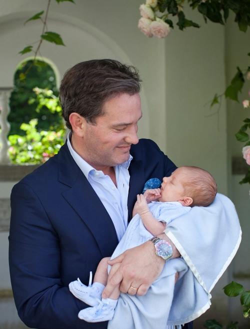 Ruotsin prinssi Nicolas ja Chris O'Neill, kuninkaalliset, hovikirjeenvaihtaja