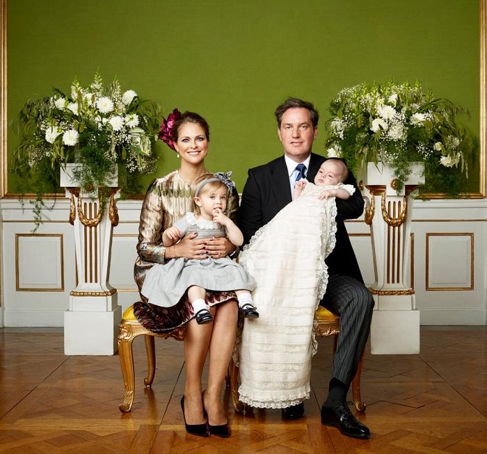 Ruotsin prinssi Nicolaksen ristiäiset, kastejuhla, prinsessa Madeleine, prinsessa Leonore, Chris O'Neill, virallinen kuva