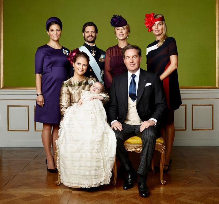 Ruotsin prinssi Nicolaksen ristiäiset, kastejuhla, prinsessa Madeleine, Chris O'Neill, kruununprinsessa Victoria, prinssi Carl Philip, Tatjana d'Abo, kreivitär Natascha von Abensberg-Traun, virallinen kuva, vanhempien sisarukset, prinssi Nicolas