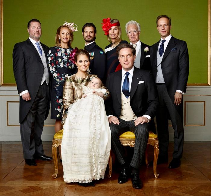 Ruotsin prinssi Nicolaksen ristiäiset, kastejuhla, prinsessa Madeleine, Chris O'Neill, kruununprinsessa Victoria, prinssi Carl Philip, Tatjana d'Abo, Henry d'Abo, Gustaf Magnuson virallinen kuva, vanhempien sisarukset, prinssi Nicolas