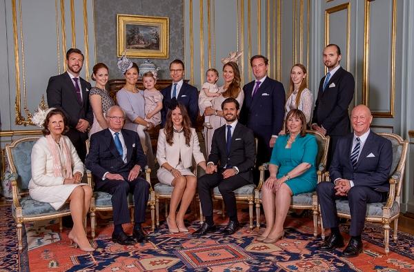 Ruotsin prinssi Carl Philip ja Sofia Hellqvist, häät, perheet, hovikirjeenvaihtaja