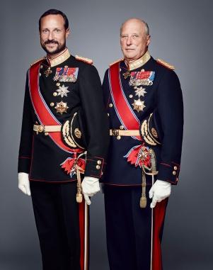 Norjan kruununprinssi Haakon ja kuningas Harald