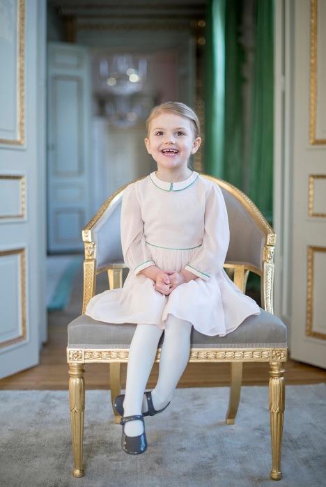 Prinsessa Estelle 4 vuotta, synttärit, kuninkaalliset, hovikirjeenvaihtaja