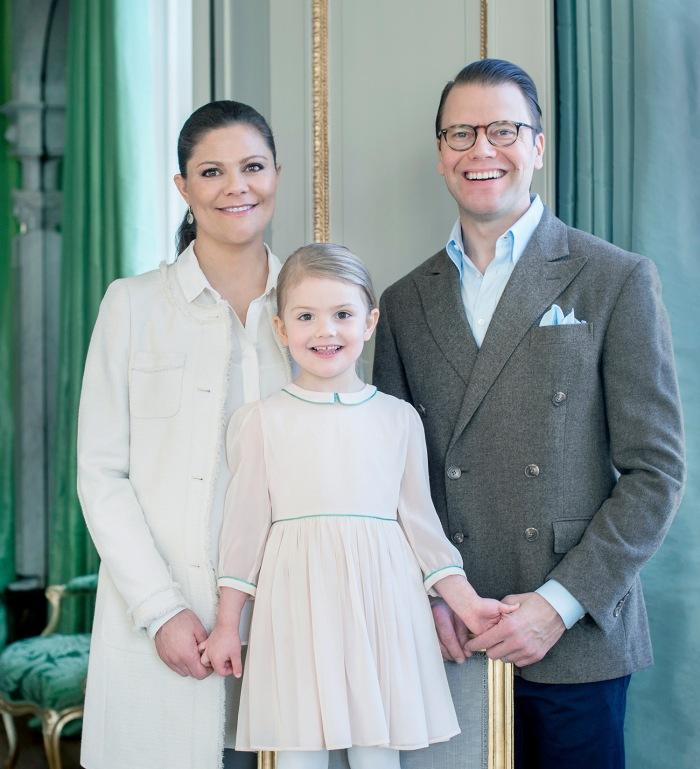 Kruununprinsessa Victoria, prinssi Daniel ja prinsessa Estelle, kuninkaalliset, Hovikirjeenvaihtaja