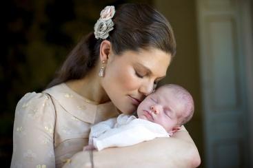Vastasyntynyt prinsessa Estelle, kruununprinsessa Victoria, kuninkaalliset, Hovikirjeenvaihtaja