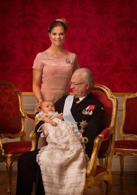 Prinsessa Estellen ristiäiset, kuninkaalliset, Hovikirjeenvaihtaja