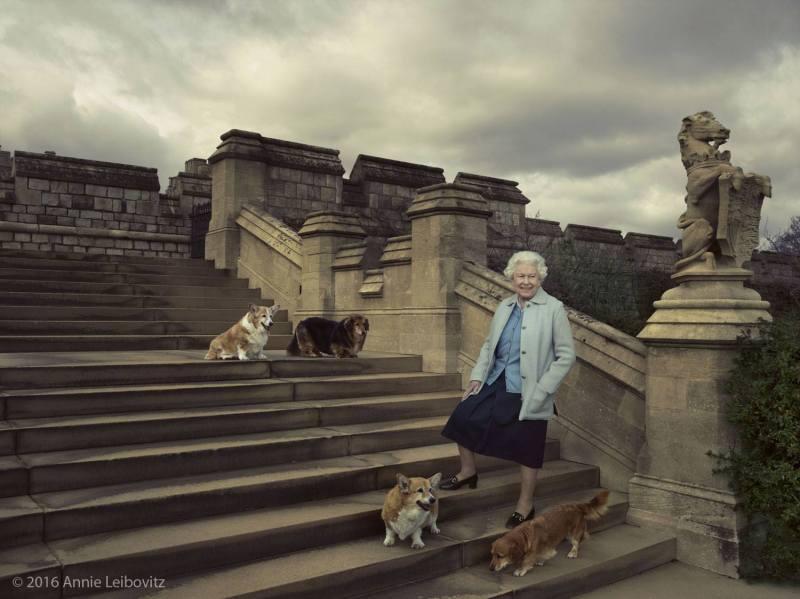 Kuningatar Elisabet 90 vuotta, syntymäpäivä, kuninkaalliset, Hovikirjeenvaihtaja, Annie Leibovitz