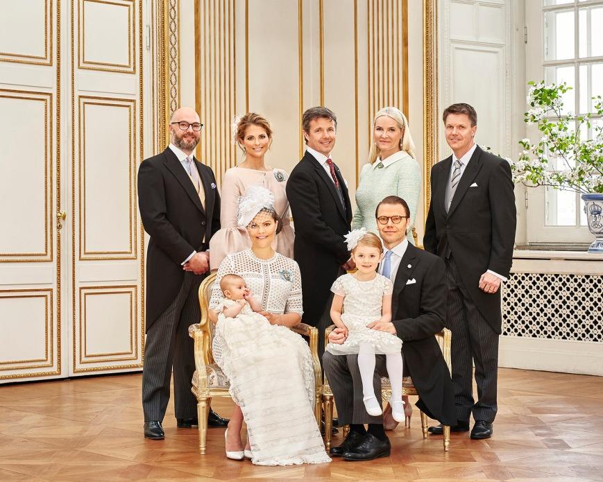 Ruotsin prinssi Oscarin kastejuhla, ristiäiset - kummit, prinsessa Madeleine, kruununprinsessa Mette-Marit, kruununprinssi Frederik, Oscar Magnuson, Hans Åström, kuninkaalliset Hovikirjeenvaihtaja