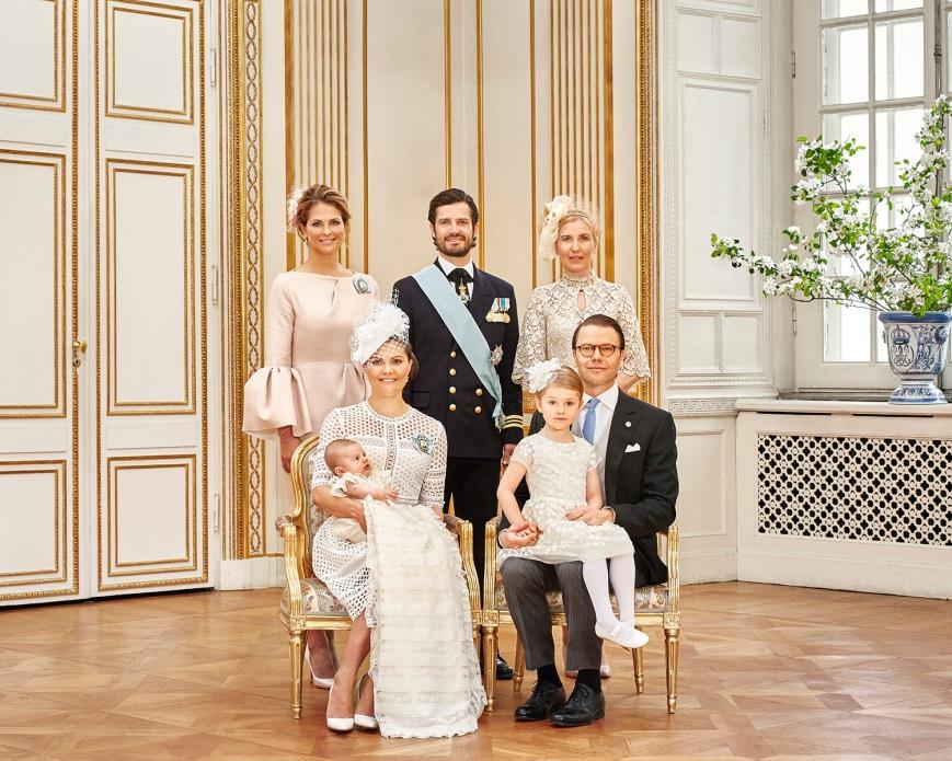 Ruotsin prinssi Oscarin kastejuhla, ristiäiset - prinsessa Madeleine, kruununprinsessa Victoria, prinssi Daniel, prinsessa Estelle, Anna Westling Söderström, prinssi Oscar, kuninkaalliset, Hovikirjeenvaihtaja