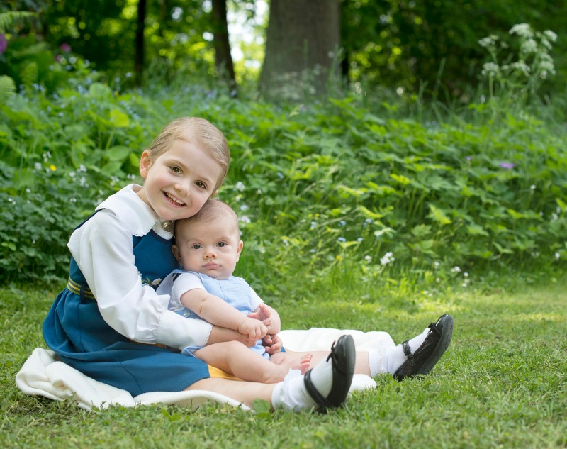 Prinsessa Estelle ja prinssi Oscar, kuninkaalliset, Hovikirjeenvaihtaja
