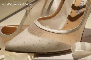 Ruotsin prinsessa Madeleinen hääpuku, kuninkaalliset hääpuvut, kuninkaallinen hääpukunäyttely, Kungliga brudklänningar, Tukholma, Princess Madeleine's wedding gown, wedding dress exhibition Stockholm, kengät, korkkarit, korkokengät , shoes