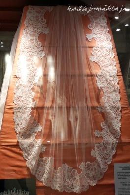 Ruotsin prinsessa Sofian huntu, kuninkaalliset hääpuvut, kuninkaallinen hääpukunäyttely, Kungliga brudklänningar, Tukholma