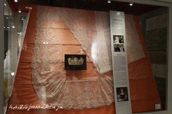 Kuningatar Silvian ja kruununprinsessa Victorian morsiushuntu, kuninkaalliset hääpuvut, kuninkaallinen hääpukunäyttely, Kungliga brudklänningar, Tukholma