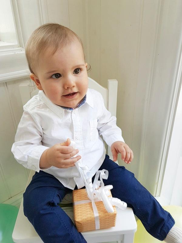 Ruotsin prinssi Alexander 1 vuotta, syntymäpäivä, prinssi Carl Philip ja prinsessa Sofia, kuninkaalliset, hovikirjeenvaihtaja