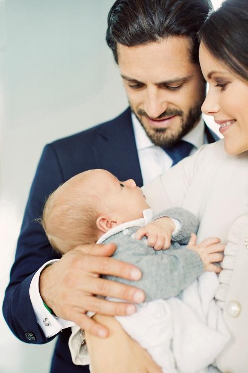 Ruotsin prinssi Carl Philipin ja prinsessa Sofian pojan ristiäiset, prinssi gabriel, Ruotsin kuningasperhe, kuninkaalliset ristiäiset, hovikirjeevaihtaja